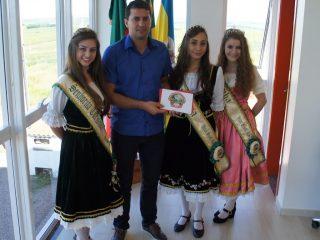 Gilso Paz recebe o convite para participar da 16ª edição do Festival Nacional da Cuca com Linguiça