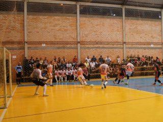 Com boa participação da comunidade campeonato municipal de Futsal de Tio Hugo é iniciado