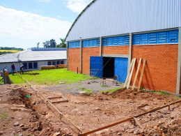 Iniciada a obra de ampliação do ginásio da escola Laurentino Machado
