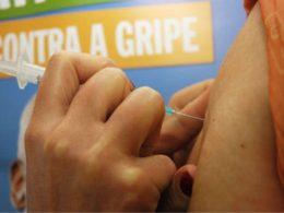 Tio Hugo supera a meta de vacinação contra a gripe
