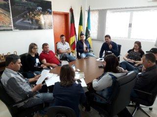 Empreendedores instalados na incubadora industrial participaram de reunião com o Executivo municipal