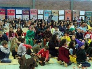 Escola municipal Laurentino Machado promove a 1ª Feira do Livro e encerramento do Projeto Centopeia da Leitura
