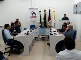 Prefeito participa de reunião ordinária da Amasbi em Gramado Xavier