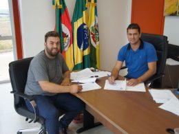 Administração Municipal aumenta repasse para a Associação Universitária dos Estudantes de Tio Hugo