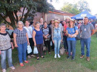Tio-huguenses participam de dia de campo no interior de Soledade
