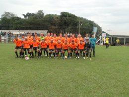 Copa dos Campeões de futebol de campo reúne times da região