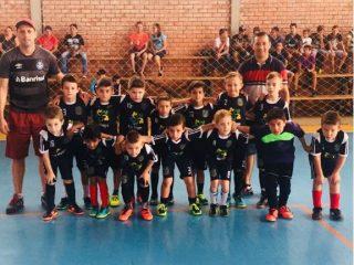 Crianças de Tio Hugo participam de competição regional de futsal