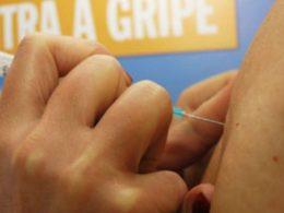 Secretaria municipal de Saúde oferece 100 doses da vacina contra a gripe