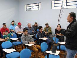 Secretaria municipal de Agricultura e Meio Ambiente promove curso sobre manutenção de pomares