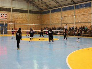 Campeonato de Futsal e Voleibol de Tio Hugo: Próximos jogos e classificação em todas as categorias