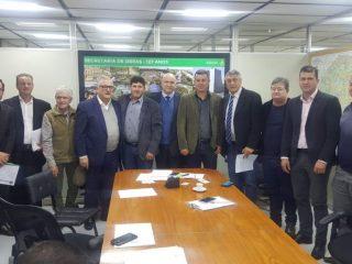 Prefeitos da AMASBI se reúnem com o Secretário de Obras do Estado