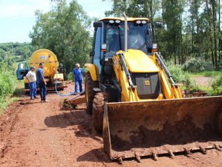 Gilso Paz acompanha trabalhos de manutenção e recuperação de estradas vicinais