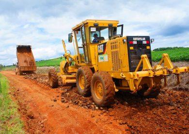 Tio Hugo recebe mais de R$ 100 mil para investimento em estradas do interior