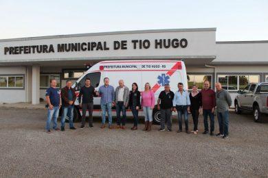 Secretário estadual Covatti Filho visita Tio Hugo