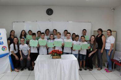 Projeto Letramento em Programação forma 19 alunos da rede municipal de ensino