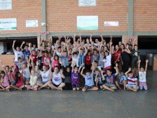 Mais de cem crianças participam da Colônia de Férias da Assistência Social e do Cras Mãos Amigas