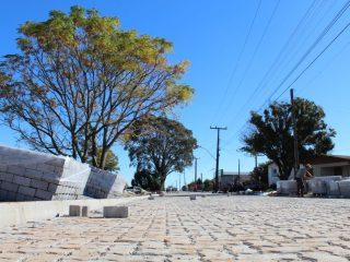 Infraestrutura: Confira o panorama das obras de calçamento na área urbana de Tio Hugo: