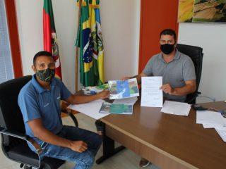 Administração Municipal recebe relatório de atividades e planejamento da Emater/RS-Ascar