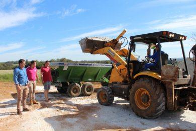 Mais de 100 produtores rurais tio-huguenses são beneficiados no Programa de Correção dos Solos