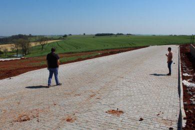 Pavimentação das ruas do novo projeto habitacional